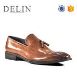 Nuevo diseño de calidad superior a los hombres zapatos casuales resbalar