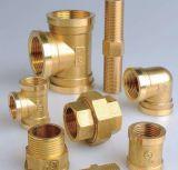 Le cuivre Le raccord de flexible du connecteur de l'eau en laiton avec une taille différente- femelle