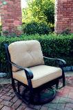居心地のよいSwivel&Gliderのソファーのグループの庭の鋳造アルミの家具