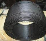 Стальная проволока черного цвета
