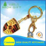 Una muestra gratis Diseño personalizado de metal esmaltado Epoxy Masónica Oro Llavero con grapa doble