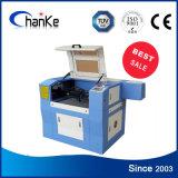 Machine van de Gravure van de Tank van de Vissen van Ck6040 60W de Rubber Acryl Plastic