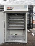 L'usine a approuvé ce gros Hot-Selling automatique d'oeufs de poulet incubateur pour 440 d'oeufs