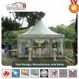 Piccola tenda 3X3m del Gazebo del Pagoda 5X5m come ricezione esterna di evento