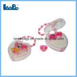 Los niños juguetes de anillo en forma de corazón de plástico