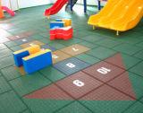 最もよい品質の幼稚園または運動場のゴムによってリサイクルされるタイル