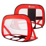 赤いFoldableからかう子供のためのフットボールのサッカーの目的をぽんと鳴る