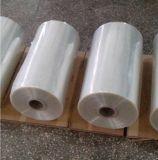 La chaleur rétrécissant le film de PVC en roulis de tube