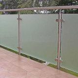 ガラス柵Ssガラスの手すりが付いている工場ステンレス鋼のポスト
