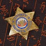 Oro su ordinazione di alta qualità che lancia il distintivo fine dello sceriffo