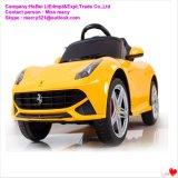 Kind-Batterie-elektrisches Auto-Fahrt auf Auto-Spielzeug-Auto