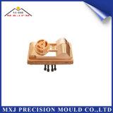 Moldeado plástico modificado para requisitos particulares CNC del moldeo por inyección de la precisión de la pieza del electrodo del automóvil