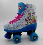 軽いローラースケートが付いているスケートの靴の車輪