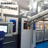 Sunswell木の包装を用いる吹く満ちるキャッピングのCombiblock水機械