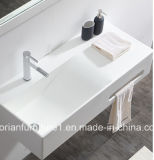 白いCorianのアクリルの固体表面の浴室の壁は洗面器をハングさせた