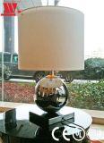 Lámpara de mesa de vidrio con tela Lampshade