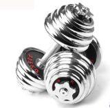 La pesa de gimnasia cromada ajustable fijó con la marca roja para la gimnasia casera