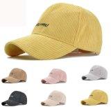 Protezione esterna del berretto da baseball del velluto a coste di Ajustable