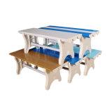 労働者のための工場食堂の着席のベンチ
