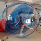 Blaue Farben-menschlicher Weg auf Wasser-Ballon-aufblasbarer gehender Kugel