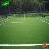 La hierba del césped artificial para fútbol y fútbol