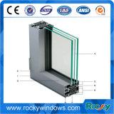 Perfil industrial de aluminio sacado de la ventana de aluminio del marco de puerta