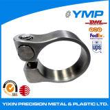 Pieza de acero inoxidable de precisión a través de la máquina de torno CNC