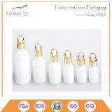 Frasco de vidro com o conta-gotas para a embalagem do petróleo do argão