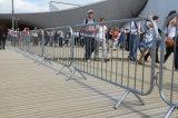 Europen La policía utilizó acero pesado de la barrera de tráfico