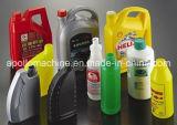 Bottiglia di plastica dell'antiparassitario che fa macchina