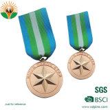 2018 주문을 받아서 만들어진 로고를 가진 다채로운 금속 메달