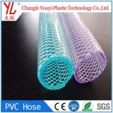 Le PVC souple en plastique renforcé de l'eau claire les flexibles de jardin