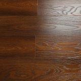 V溝は防水浮き出しの木によって薄板にされた床タイルのUnilinクリックにワックスを掛けた