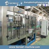 Máquina de rellenar embotelladoa del agua potable de la botella del animal doméstico