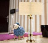 De metaal messing-Geplateerde Lichte Lamp van de Lijst van het Bureau van de Kolom met Schaduw, voor het Bed van het Hotel, Hal
