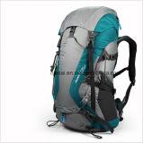 屋外の防水32L Drakの青い登山のバックパック
