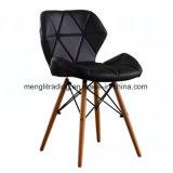 중앙 세기 백색 옆 의자 목제 다리를 식사하는 현대 작풍 플라스틱