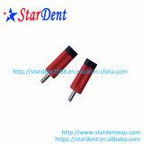 De tand TweelingSpelden van de Pen van het Messing met Rode Kleur