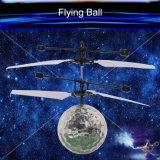 RC Infrarotinduktions-Hubschrauber-/Flugzeug-Fliegen-Kugel mit LED für Kinder