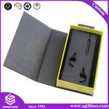 Os acessórios eletrônicos do cartão da aleta da simplicidade ajustaram a caixa de presente com furo de suspensão conveniente
