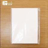 Tarjeta que hace PVC el material de hoja transparente