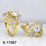 금관 악기 보석 CZ는 황금 숙녀 반지를 둥글게 된다