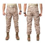 Pantaloni degli uomini verdi dell'esercito per lavoro e casuale