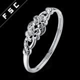 Il doppio cubico di Zirconia placcato argento di modo delle donne fiorisce il braccialetto