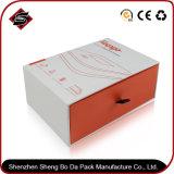 Коробка подарка белой карточки прямоугольника упаковывая бумажная