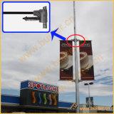 Rua pólo claro do metal que anuncia o dispositivo elétrico do sinal (BT-BS-048)