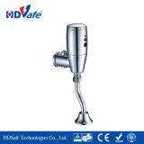 Les performances des entreprises Salle de bains wc dissimulée urinoir automatique du capteur de soupape de rinçage le dispositif de rinçage