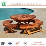 Mesa de jantar de cadeira de madeira recuperada de piscina ao ar livre