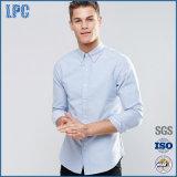2017 faits sur commande tissés par mode fondamentale de ressort amincissent la chemise en bonne santé d'hommes