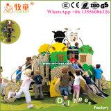 子供のプラスチックの屋外のスライド、子供の演劇の地面はテーマパークおよび学校のために滑る